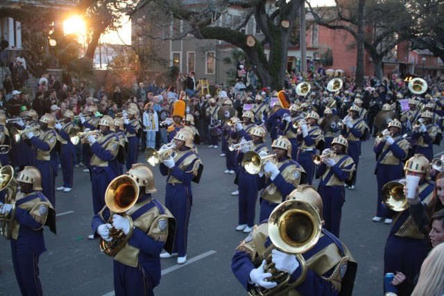 Where Should You Watch Mardi Gras Parades?