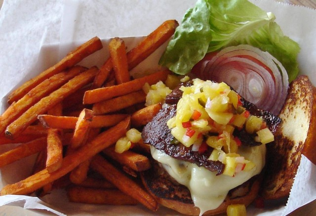 The New Orleans & Me Guide to Local Burgers.