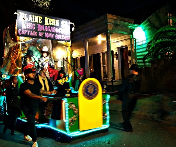 A Clip of krewedelusion